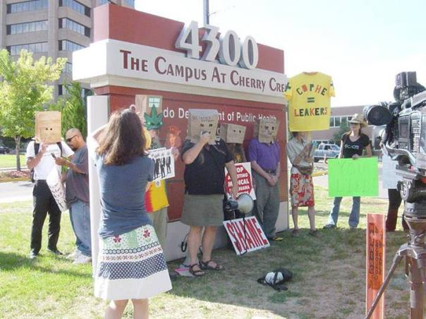 2013-08-21 CDPHE privacy protest (3)